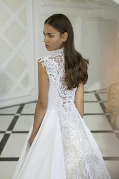 Say yes to this Nurit Hen dress!!