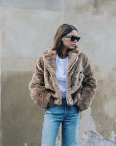 If there's one thing fashion girls can't get enough of, it's faux-fur-jacket outfits. See how they're styling the staple for this season now. Fur Coat Outfit, Faux Fur Cropped Jacket, Leopard Print Jacket, Oufits Casual, Fur Fashion, Fall Winter Outfits, Jackets, Clothes, Fur Coats
