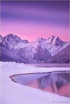 We love the beauty nature has to offer in this winter sunset - SierraSpirit.biz (backpack guides in/around Yosemite) Beautiful World, Beautiful Places, Imagen Natural, Landscape Photography, Nature Photography, Winter Sunset, Winter Beauty, All Things Purple, Purple Aesthetic