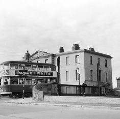 Portobello (Dublin - Ireland): And was it 6 o'clock when Elinor Wiltshire took this photo of a tram (no. crossing the canal at Portobello in Dublin? Date: 1948 Old Images, Old Pictures, Old Photos, Vintage Photos, Dublin Street, Dublin City, Photo Engraving, Al Capone, Dublin Ireland