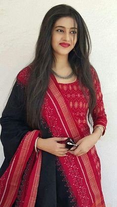 Indian Dresses- Image Ideas – Ideas for all Dresses & Outfits for All OcassionsI wud luv to wear itPerfect combination of red & black Indian Gowns Dresses, Indian Fashion Dresses, Indian Designer Outfits, Designer Dresses, Designer Lehanga, Dress Fashion, Silk Kurti Designs, Kurta Designs Women, Kurti Designs Party Wear