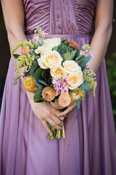 Such a sweet bouquet by @Cole Roberts Roberts Dewey Designs in hues of melon and deep greens. Photo by Tara Lokey Photography. #wedding #bouquet #melon #lavender #green