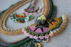 Perlen Halsband: Humboldtia Brunonis von irregularexpressions