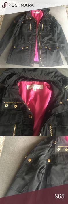 Trina Turk jacket   Gold snap buttons pink lining Trina Turk jacket   Gold snap buttons pink lining Trina Turk Jackets & Coats