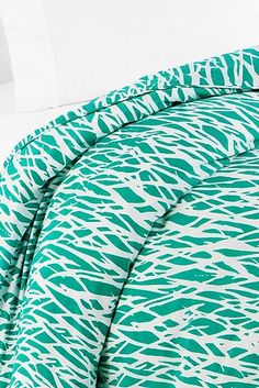 Go to bed with one of our most iconic vintage prints with the Twigs duvet. Pair with neutral Sensational Solids sheets for instant chic. More Details