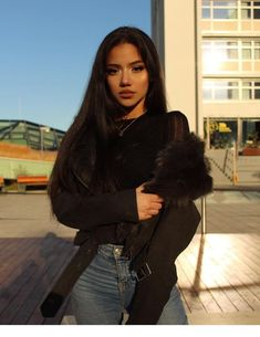 Shared by PRINCESA. Find images and videos about pretty, perfect and goals on We Heart It - the app to get lost in what you love. Style Outfits, Cute Outfits, Pretty People, Beautiful People, Tube Top, Cute Poses For Pictures, Insta Photo Ideas, Modern Dance, Winter Fashion Outfits