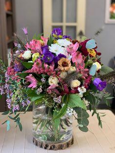 Narozeninová kytice Glass Vase, Floral Wreath, Wreaths, Home Decor, Floral Crown, Decoration Home, Door Wreaths, Room Decor, Deco Mesh Wreaths