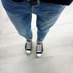 tifmys- H&M Girlfriend jeans & Converse Chucks.