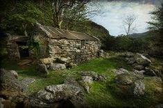 An old abandoned cottage in Beddgelert - Snowdonia - North Wales Abandoned Cottage North Wales Old Buildings, Abandoned Buildings, Abandoned Places, Derelict Places, Abandoned Mansions, Mystique, Snowdonia, North Wales, Stone Houses
