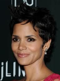 Halle Berry - I'd luv to kiss ya, but I just washed my hair. ~ Bette Davis
