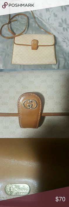 Authentic Gucci Pre owned  Authentic Vintage Gucci Crossbody Size  10 X 10 Strap 45 Leather  No trades please Thanks Gucci Bags Crossbody Bags