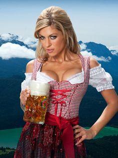 Boobs 'n Beer - exclusive at Oktoberfest, Munich, Germany Oktoberfest Outfit, German Oktoberfest, German Girls, German Women, Happy Birthday Meme, Birthday Wishes, Paulaner Bier, Octoberfest Girls, Beer Maid