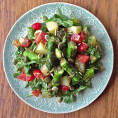 Asparagus, new potato & avocado salad: vegan / deliciously Ella