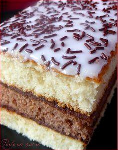Napolitain fait maison - Comme vous avez pu le constater je m'amuse souvent à reproduire les gâteaux industrielles et cette fois-ci mon dévolu s'est ...