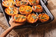 Rather spend time with christmas shopping than preparing food for hours?🧐 How about easy oven dishes? Dairy Free Diet Benefits, Grilled Sweet Potatoes, Lactose Free Diet, Sweet Potato Slices, Oven Dishes, Thai Dishes, Vegan Meal Plans, Vegan Recipes Easy, Food Preparation