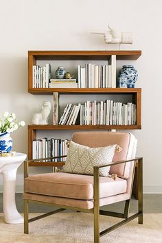 Meandering Lines - 20 Bookshelves You'll Want To Copy ASAP - Photos