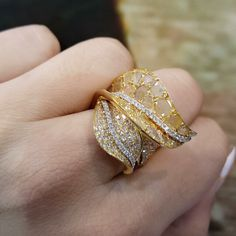 latest designs of gold rings for womens - Fashion Beauty Mehndi Jewellery Blouse Design Gems Jewelry, Jewelry Art, Jewelry Accessories, Fine Jewelry, Silver Jewelry, Fashion Rings, Fashion Jewelry, Gold Jewellery Design, Schmuck Design
