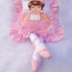 Almofada Boneca com Pernas Bailarina