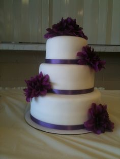 Simple wedding cake- purple