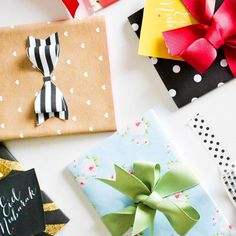 Gift wrap in irresistibly fresh colors, perfectly combined bows and matching pretty gift tags - all for free download! Are you ready?