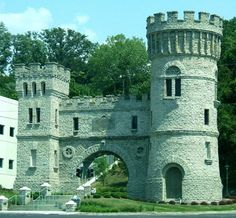 Elsinor Arch Castle in Eden Park, Cincinnati, Ohio. Elsinore Tower, located at Gilbert Avenue and Elsinore Place, erected in 1883, was designed by Samuel Hannaford to commemorate a Shakespeare Festival being held in Cincinnati at the same time. It now serves as a valve house for the Cincinnati Water Works.