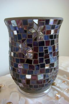 "The Lily ""star"" mosaic vase - purple Mosaic Planters, Mosaic Vase, Mosaic Flower Pots, Mosaic Bottles, Glass Bottles, Gem Crafts, Mosaic Projects, Gypsy Style, Stained Glass"