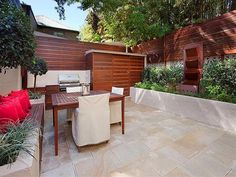 outdoor living areas image: hedging,