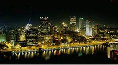 Pittsburgh at night Seattle Skyline, New York Skyline, Steelers Stuff, Pittsburgh Pa, Short Trip, Nightlife, Pennsylvania, Spaces, Architecture