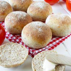 Grahamsfrallor - Lindas Bakskola & Matskola Hamburger, Bread, Meals, Prom Dresses, Foods, October, Food Food, Food Items, Meal