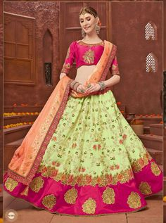 Looking to buy Anarkali online? ✓ Buy the latest designer Anarkali suits at Lashkaraa, with a variety of long Anarkali suits, party wear & Anarkali dresses! Floor Length Anarkali, Long Anarkali, Anarkali Dress, Lehenga, Anarkali Suits Online Shopping, Abaya Fashion, Icon Fashion, Indian Ethnic Wear, Festival Fashion