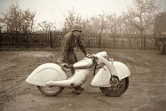 STRANGE OLDE WWII MOTORCYCLES - UNUSUAL FRONT WHEEL DRIVE ART DECO DESIGN 1930'S KILLINGER AND FREUND MOTORRAD