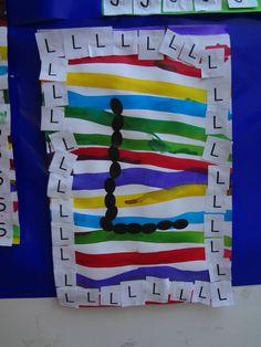 Et voici un travail sur l'initiale de son prénom : des traits horizontaux à l'encre et au gros pinceau, puis collage de son initiale tout... Name Activities, Kindergarten Activities, Activities For Kids, Sons Initiaux, Name Games, General Crafts, Montessori, Art Projects, Education