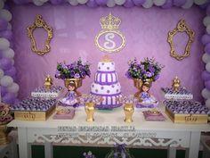 Festa Princesa Sofia - 70 Modelos Com Fotos e Super Dicas Princess Sofia Birthday, Princesa Sophia, Sofia Party, Birthday Decorations, Maid Of Honor, Snow Globes, Birthdays, Avengers, Photography