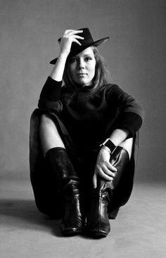 Emma Peel, Female Portrait, Diana, Portrait Photography, Avengers, Actors, Cute, Etsy, Fashion
