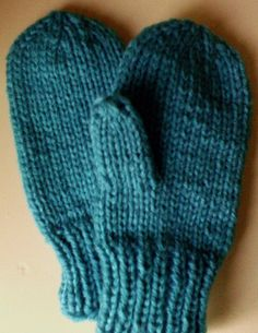 Yarn: #4 washable worsted or aran yarn or 2 DK strands together Gauge: 4.25-4.5 sts per inch, about 5-6 rows per inch in stockinette stitch in larger needles Sizes: 2-4 (5-7, 9-11, 12-14) Toddler …