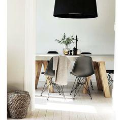 . Eames, Chair, Interiors, Inspiration, Furniture, Photos, Home Decor, Instagram, Mesas