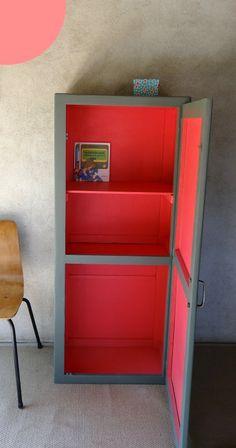 Petite armoire d'atelier rétro Kaki et Bubble Gum #meuble #vintage---These colors are perfect!
