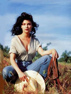 Our Sherilyn Fenn Sherilyn Fenn, David Lynch Twin Peaks, 90s Girl, World Most Beautiful Woman, Young And Beautiful, Great Pictures, American Actress, Twins, Girly