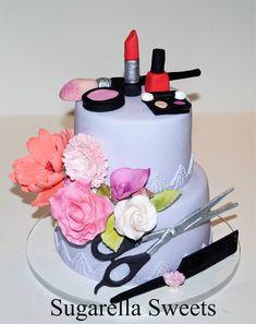 Makeup Cake Made By Liliana Da Silva From Sugarella Sweets Recetas Beautiful Birthday Cakes, Gorgeous Cakes, Pretty Cakes, Amazing Cakes, Camouflage Cake, Shoe Box Cake, Fashionista Cake, Mom Cake, Make Up Cake
