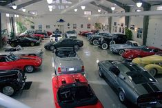 The Top 25 Coolest Garages on Earth Toy Garage, Barn Garage, Garage Art, Man Cave Garage, Garage Shop, Garage House, Garage Workshop, Dream Garage, Garage Ideas