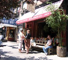 Outside of the Grey Dog's Coffee in #WestVillage on a quaint park bench enjoying the sun.