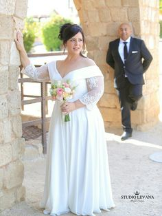 Stunning curvy bride Sivan in her custom #studiolevana dress