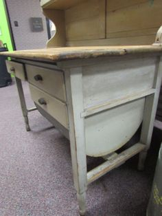 Primitive-Antique-Possum-Belly-Kitchen-Cabinet-Hutch-Cupboard