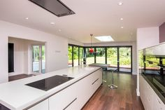 Hastings Road, Bexhill-On-Sea - 4 bedroom detached house - Fox & Sons