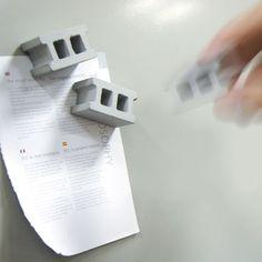 セメントブロックの磁石。 コンクリートブロック マグネット - まとめのインテリア / デザイン雑貨とインテリアのまとめ。