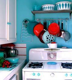House of Turquoise: Kitchen Turquoise Kitchen, House Of Turquoise, Red Kitchen, Kitchen Colors, Vintage Kitchen, Kitchen Dining, Kitchen Decor, Red Turquoise, Kitchen Ideas