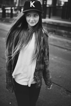 Love this boyish/street style Love the hat since name starts with a K lol cute Tomboy Fashion, Look Fashion, Fashion Beauty, Autumn Fashion, Queer Fashion, Urban Fashion, Fashion Styles, Street Fashion, Fashion Dresses