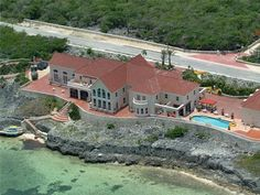 Luxury Royal Vista Estate in Cayman Islands $35,000,000..... That's a lot of moolaaa