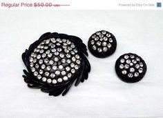 Karu Arke Black Japanned Rhinestone Button Brooch & Earrings Demi Parure #etsy  #etsymnt