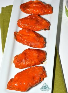 Buffalo Chicken Wings Recipe - The ultimate Buffalo Chicken Wings Recipe. This is hands down the best Buffalo Chicken Wings Recipe. Perfect for wing connoisseurs. Great Recipes, Favorite Recipes, Easy Recipes, Chicken Wing Recipes, Chicken Meals, Thai Chicken, Grilled Chicken, Football Food, Football Recipes